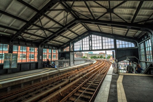 die-u-bahn-station-baumwall-richtung-roedingsmarkt