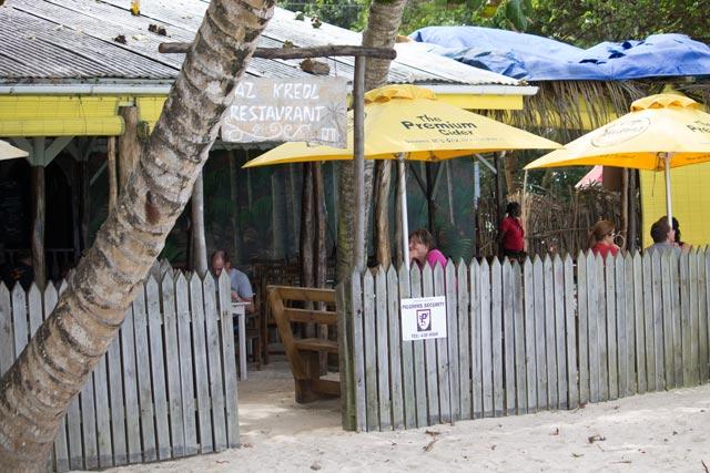 das-strand-restaurant-kaz-kreol-auf-mahe