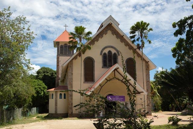 eine-katholische-kirche-auf-den-seychellen