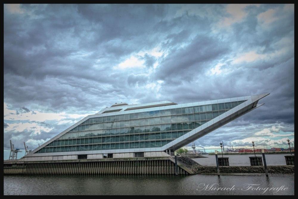 cruise-center-mit-dramatischen-wolken-himmel-murach-fotografie