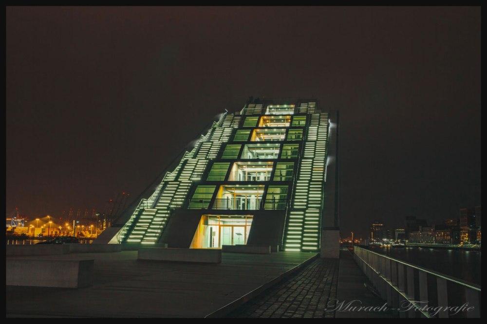 das-cruise-center-bei-nacht-murach-fotografie