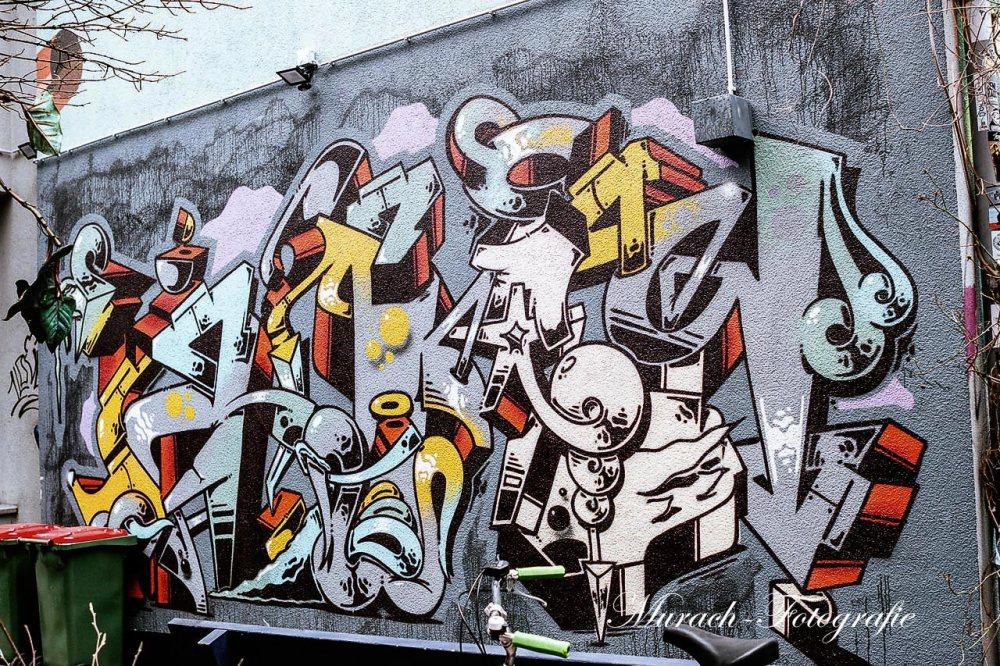 graffitiwand-im-innenhof-murach-fotografie